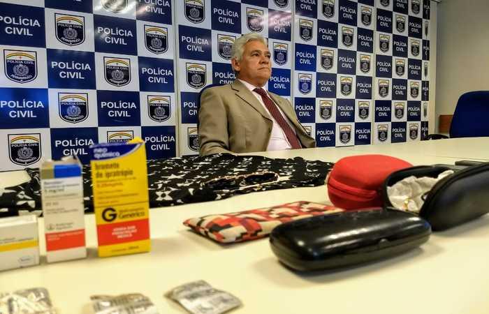 Delegado Rômulo Aires disse que a estelionatária presa drogava também as vítimas com tranquilizantes para roubar. Foto: PCPE/Divulgação
