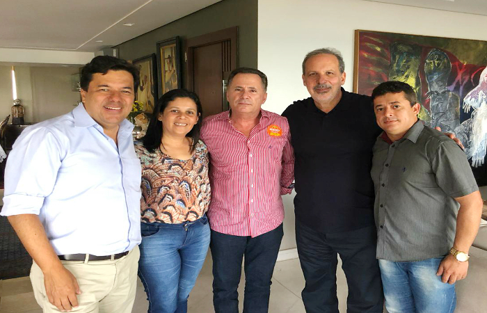 Joelma Campos e Sérgio Miranda entre Mendonça Filho e Armando Monteiro. Foto: Divulgação