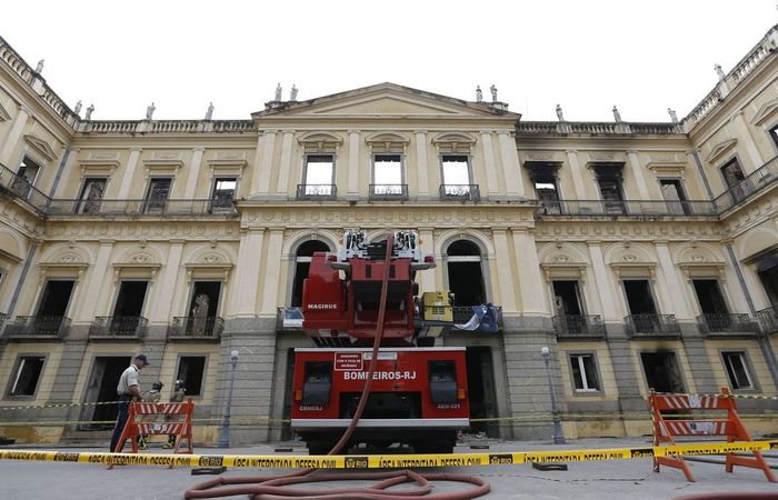 A vice-diretora do Museu esclareceu que, como órgão público, o Museu Nacional não precisava de alvará para funcionar. Foto: Tânia Rêgo / Agência Brasil