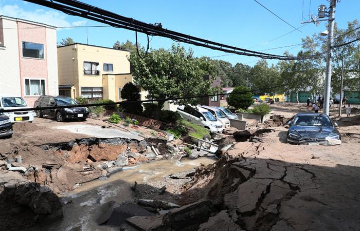 O epicentro do tremor foi situado 62 km a sudeste da capital regional, Saporo, apenas dois dias após um tufão causar importantes danos na região de Osaka .Foto: JIJI PRESS / AFP