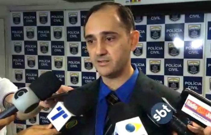 Delegado Vinicius Notare falou sobre o caso com a imprensa nesta quinta (6). Imagem: PCPE/Divulgação