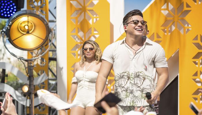 Fenômeno da música atual, Wesley Safadão comanda o festejo na primeira edição da Praia de Seu Antônio. Foto: Divulgação