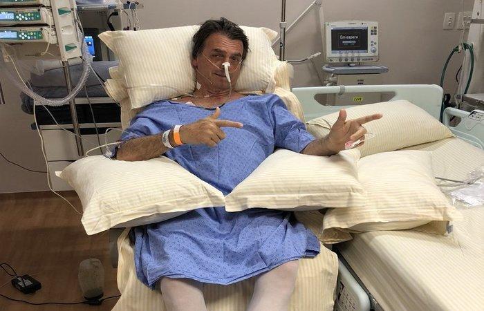 Bolsonaro recebeu uma facada na tarde desta quinta-feira enquanto saia às ruas de Juiz de Fora. Foto: Reprodução/Twitter