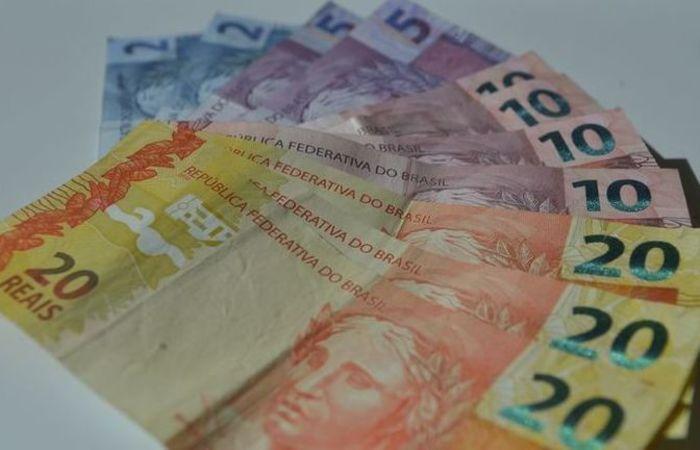Crédito bancário para 2.646.626 contribuintes será feito dia 17, somando R$ 3,3 bilhões. Foto: Marcello Casal/Agencia Brasil