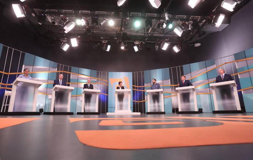 O tema da corrupção dominou o segundo bloco do debate. Já na primeira pergunta, Alckmin teve de responder sobre a ação na qual é acusado de enriquecimento ilícito por suposto caixa 2 da Odebrecht na campanha de 2014. Foto: Gabriela Biló/ Agência Estado