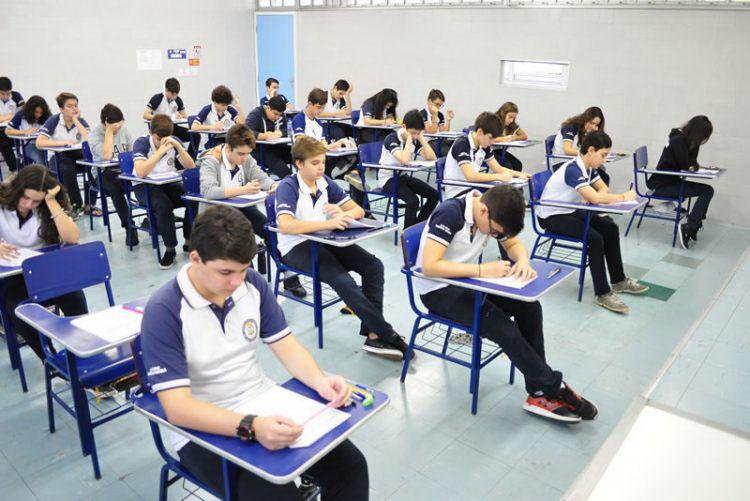 Escolas buscam trazer usar novos instrumentos para atrair a atenção dos alunos.  (Divulgação/Colégio Santa Maria.)