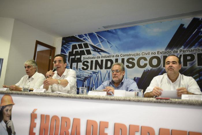 Candidato participou de sabatina no Sinduscon ontem. Foto: Keila Castro/Divulgação