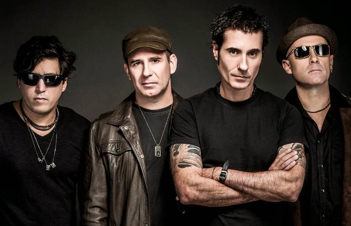 Pelo rock, bandas como Capital Inicial voltam a ser reconhecidas pelas críticas que trazem em muitas letras. Foto: Capital Inicial/Divulgação