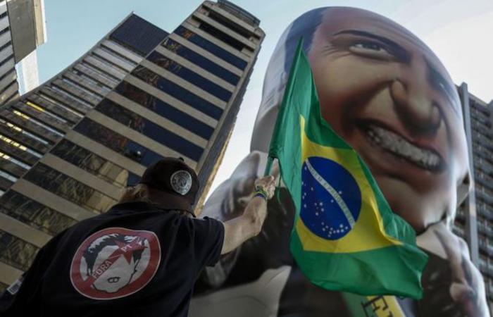 Manifestação pró-Bolsonaro na Avenida Paulista: ataque em Juiz de Fora não afetou tanto os números do candidato (foto: Miguel Schincariol/AFP)