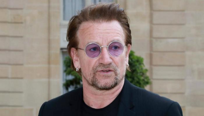 Gesto provocativo de Bono Vox fez alusão a nazistas. Foto: AFP/Reprodução