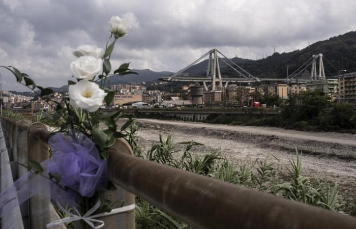 Em 14 de agosto, Gênova vivia uma das piores tragédias de sua história, com a queda da ponte Morandi. Foto: MARCO BERTORELLO / AFP