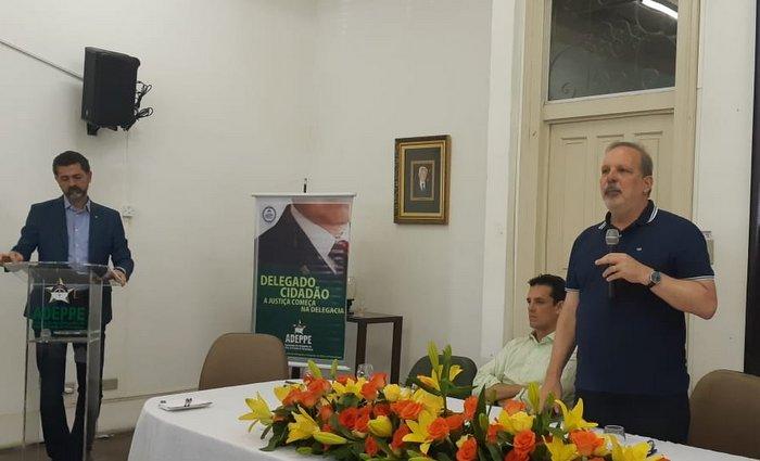 Armando fez apresentação na Adeppe. Foto: Aline Moura/DP