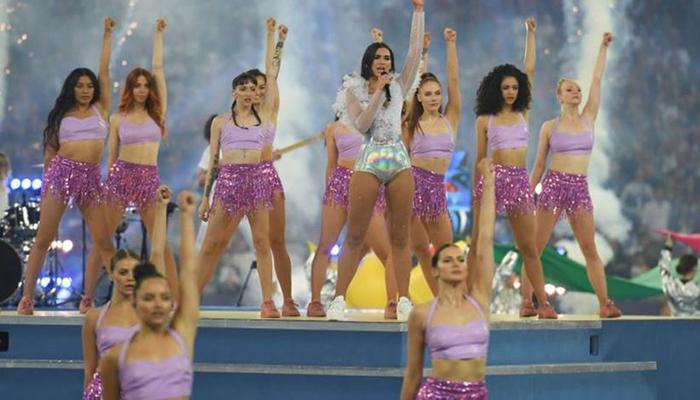 Fãs foram expulsos do show porque dançavam e levantavam bandeiras. Foto: AFP Photo