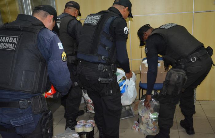 Policiais da Guarda Municipal do Cabo apreenderam material que já estava separado para ser roubado do cartório eleitoral. Imagem: PF/Divulgação