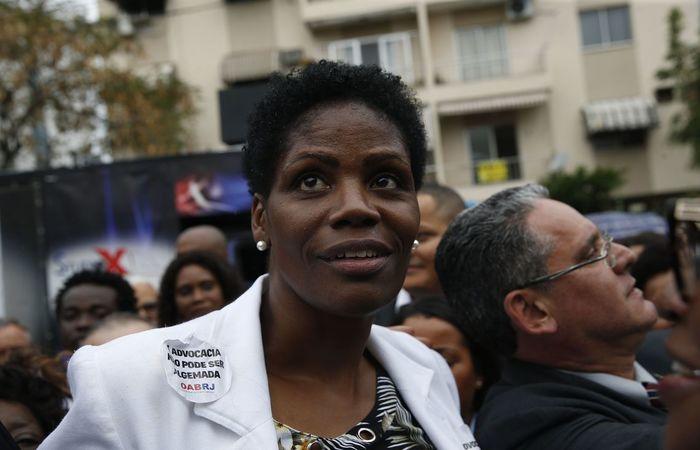 A advogada Valéria Lúcia dos Santos, que foi algemada e presa durante audiência no Fórum de Duque de Caxias - Foto: Fernando Frazão/Agência Brasil