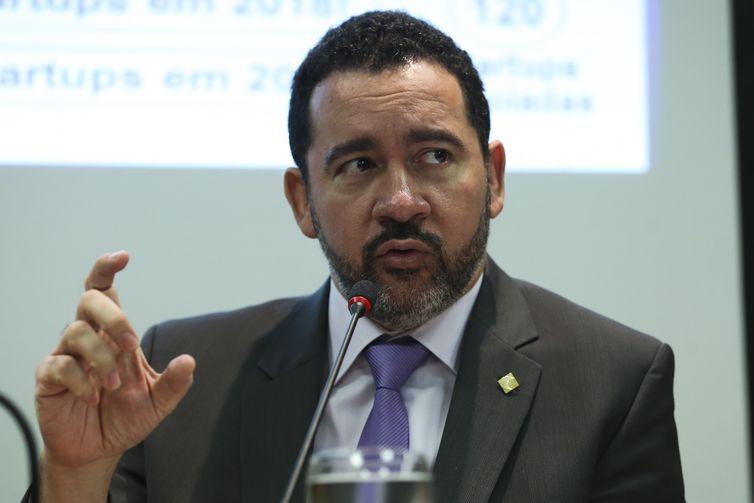 """O presidente do BNDES, Dyogo Oliveira, disse que empréstimos para Cuba e Venezuela """"provavelmente não deveriam ter sido feitos, mas agora temos que ir atrás do dinheiro"""" - José Cruz/Agência Brasil"""