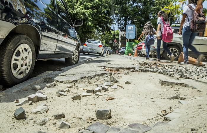 Oliveira Lima, na Boa Vista, será a próxima via contemplada pelo Calçada Legal. Foto: Camila Pifano/Esp. DP