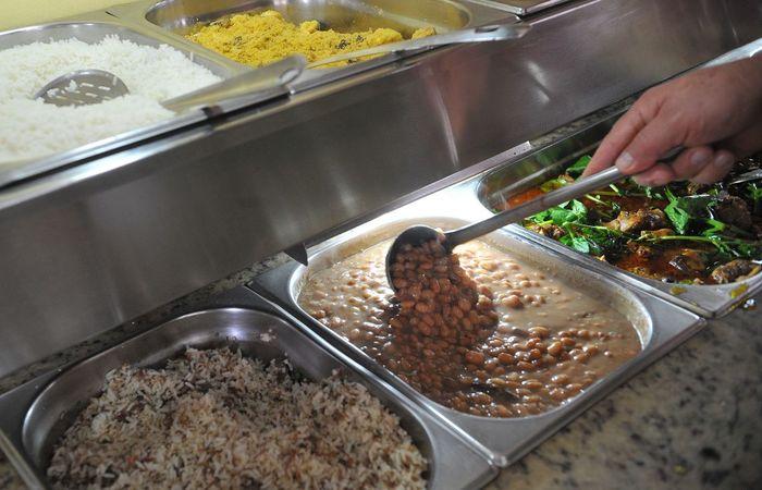 No Brasil, a média de alimentos desperdiçados por domicílio é de 353 gramas por dia. Foto: Antonio Cruz / Agência Brasil
