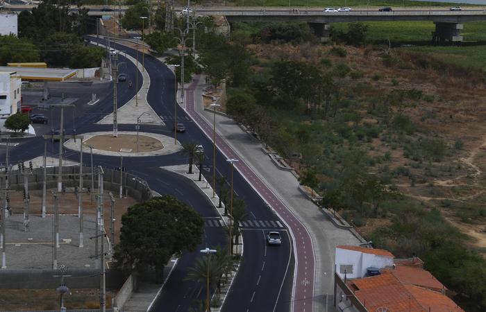 Uma das obras a serem entregues será a conclusão da ciclovia da orla da cidade - Foto:  Peu Ricardo/Esp.DP