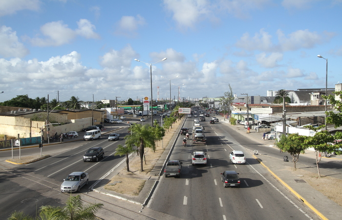 O corredor de tráfego da Mascarenhas de Morais é um dos mais áridos da cidade. Foto: Peu Ricardo/DP