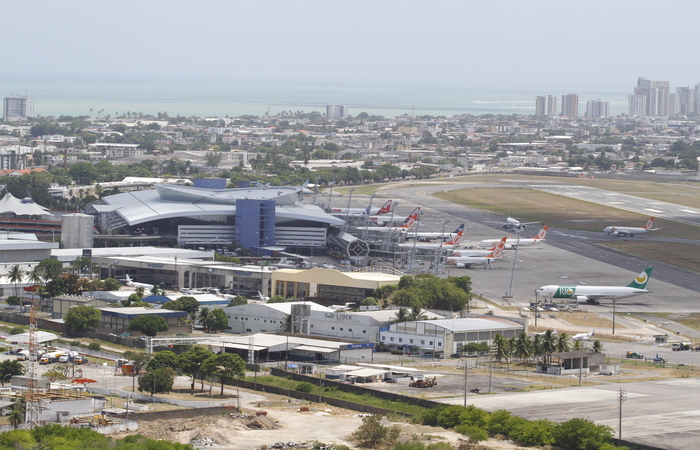 Apesar de dois meses em baixa, Aeroporto do Recife vem numa crescente no negócio. Foto: Paulo Paiva/DP