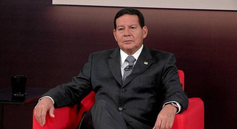 Enquadrado por Bolsonaro, Mour�o evita falar com a imprensa