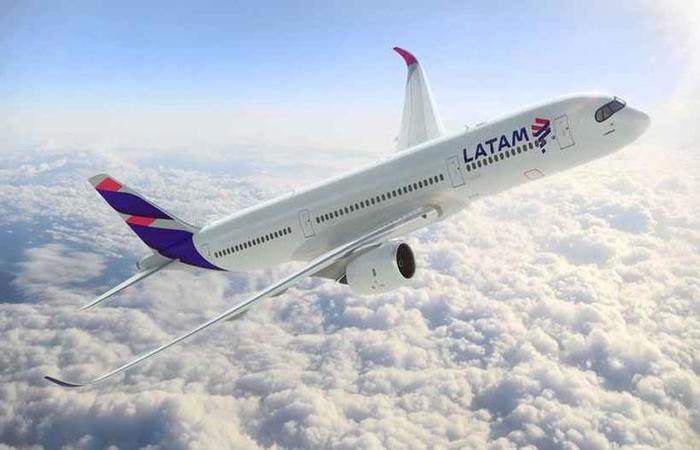 De acordo com a Latam, 187 voos dentro e para fora do país foram cancelados. Foto: Latam / Divulgação