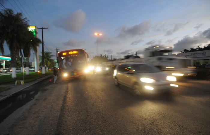 Paradas de ônibus serão alteradas devido a interdição da ponte do Janga. Imagem: Arquivo/DP