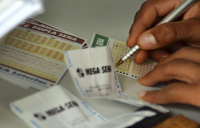 """A Loteria Instantânea Exclusiva (Lotex), conhecida como """"raspadinha"""", será privatizada. Foto: Wilson Dias/Agência Brasil"""