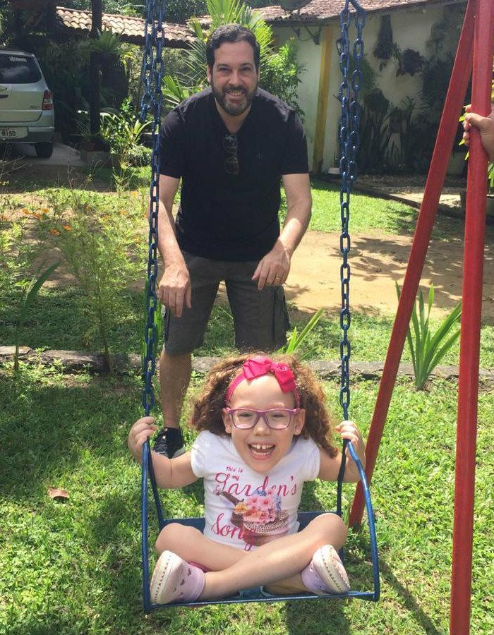 Agadir Faria com a filha Letícia, direito de ser feliz. Foto: Arquivo Pessoal