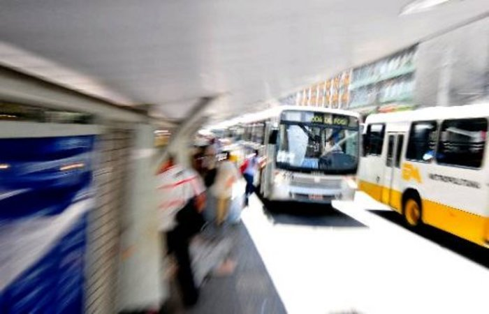 Consórcio Grande Recife reforçou linhas de ônibus para população ir a votação. Imagem: Arquivo/DP