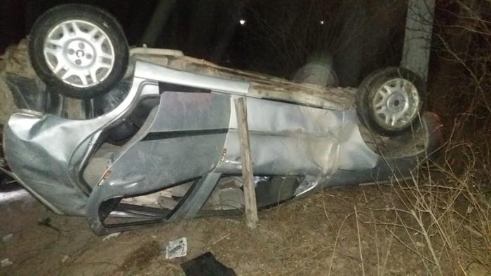 Veículo capotou na BR 424 e parou sobre o corpo de uma passageira que havia sido arremessada do banco traseiro segundo a PRF. Foto: PRF/Divulgação