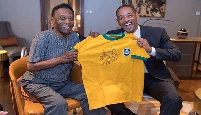 """''Com amor, do amigo Pelé"""", escreveu o jogador em uma camiseta entregue como presente ao ator Will Smith. Foto: Reprodução/Instagram"""