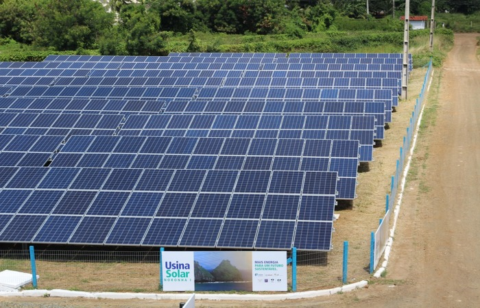 A ilha dispõe de duas usinas solares: Noronha 1 e 2. O novo investimento está orçado em R$ 6 milhões. Imagem: Divulgação