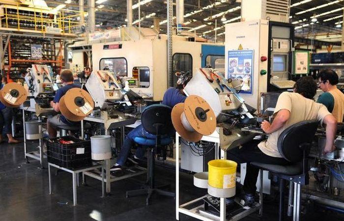 Apesar da queda de 0,3% na indústria nacional, a produção cresceu em nove dos 15 locais pesquisados pelo Instituto Brasileiro de Geografia e Estatística. Foto: Wilson Dias/Agência Brasil