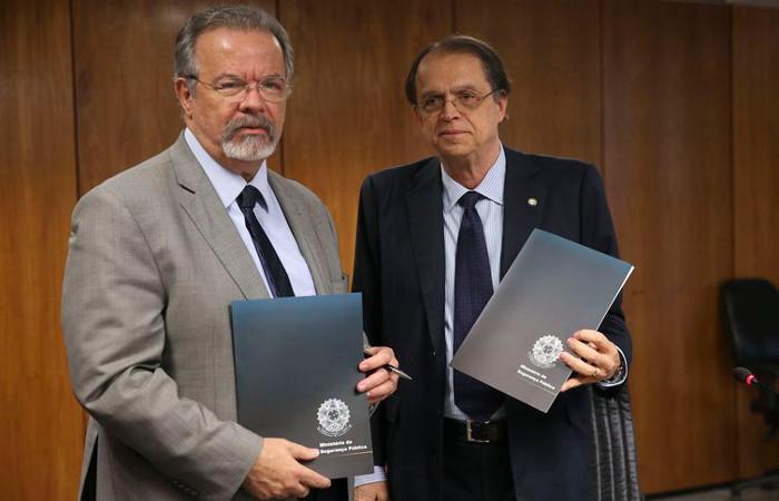 Os ministros Raul Jungmann, da Segurança, e Caio Vieira de Mello, do Trabalho. Foto: Valter Campanato/Agência Brasil