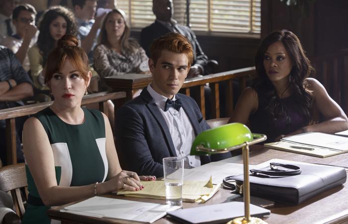 Novos episódios irão mostrar Archie (K.J. Apa) enfrentando julgamento por assassinato que não cometeu. Foto: Warner Bros./Divulgação