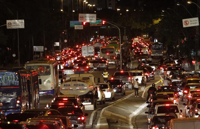 Houve desaceleração nos grupos de transportes, com influência da gasolina. Foto: Ricardo Fernandes/DP/D.A Press