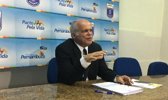 Para o delegado Ademir Oliveira mãe e tia indiciadas queriam punir suspeito de estupro. Foto: PCPE/Divulgação