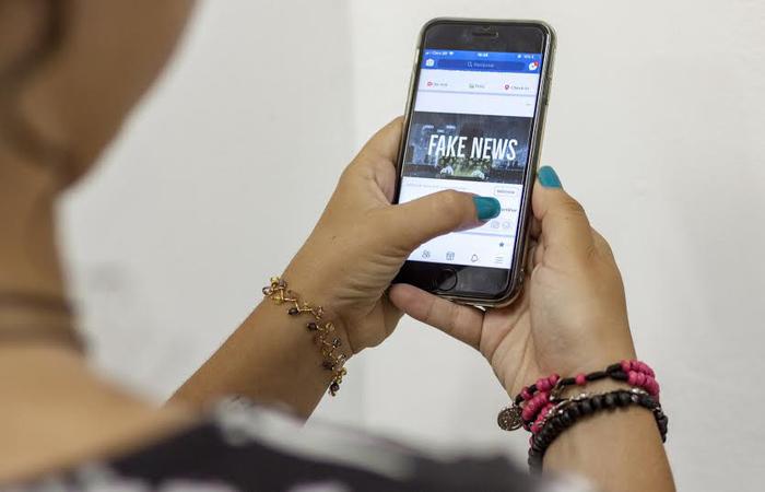 A 12 dias das elei��es, conselho de fake news do TSE se re�ne com WhatsApp