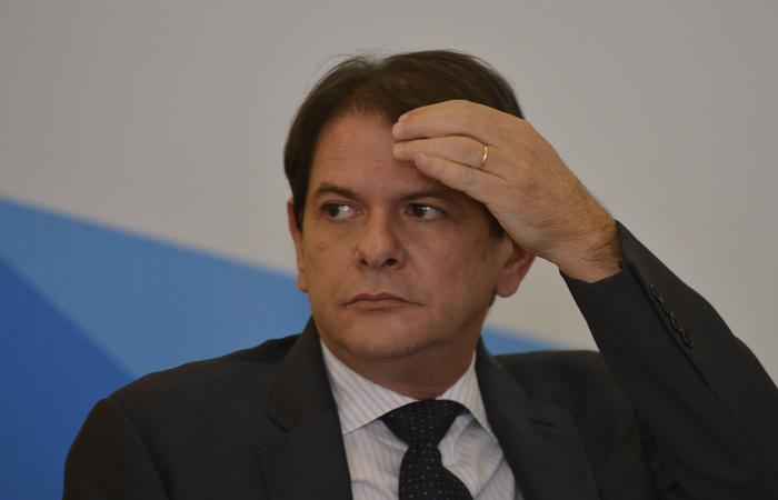 Resultado de imagem para Presidente do PT admite 'percalços' e fala que Cid Gomes fez um 'desabafo'