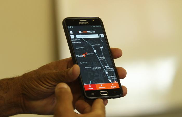 Ibura foi o bairro com maior número de disparos, com 26 tiroteios e 22 mortos, em seis meses. O aplicativo Fogo Cruzado é alimentado com informações repassadas pela população. Qualquer pessoa pode baixar o app. Foto: Peu Ricardo/DP