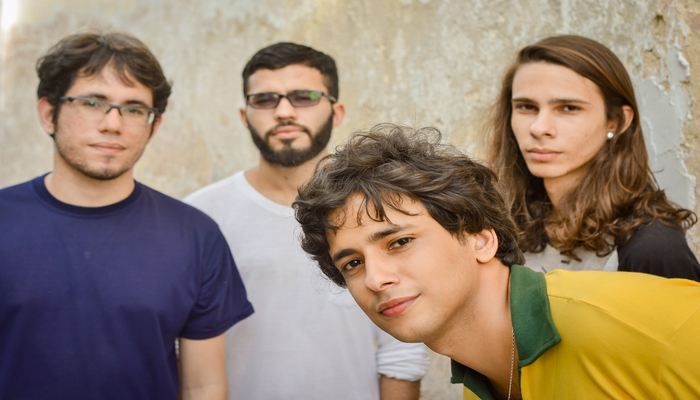 O lançamento marca 7 anos da banda e antecede a estreia do EP Belos Gaianos, previsto para ser lançado em novembro. Foto: Livia Franco
