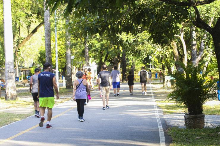 Sociedade Brasileira de Cirurgia Bariátrica e Metabólica recomenda pelo menos meia hora de caminhada por dia. Foto: Marina Curcio/DP