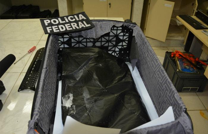 Mala estava com um fundo falso. Foto: PF/Divulgação