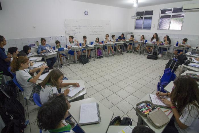 Formato de assembleia, que acontece uma vez por mês, é adotada atualmente em colégio do Recife. Foto: Léo Malafaia/Esp. DP.