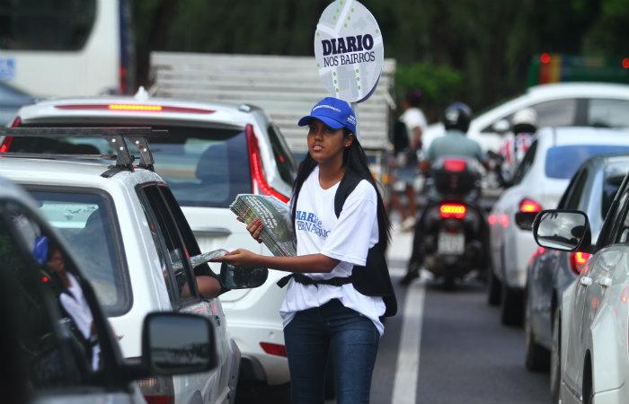 A ação também visa resgatar o hábito da leitura do jornal impresso. Imagem: Péu Ricardo/DP