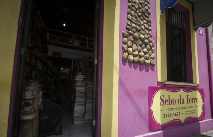 Sebo da Torre fica localizado na Rua José Bonifácio. Foto: Leo Malafaia/Esp. DP