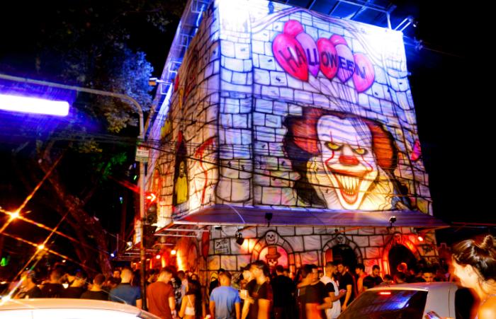 O Clube Metrópole promove a 17ª edição do seu tradicional Halloween sob o tema A Era das Bruxas. Foto: Clube Metrópole/Divulgação
