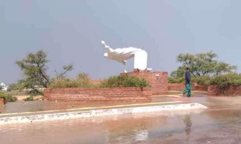 Estátua de Cristo em Buritizeiro, no Norte de Minas. Foto: Reprodução/Whatsapp